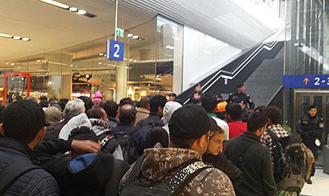 Flüchtlinge auf dem Salzburger Hauptbahnhof