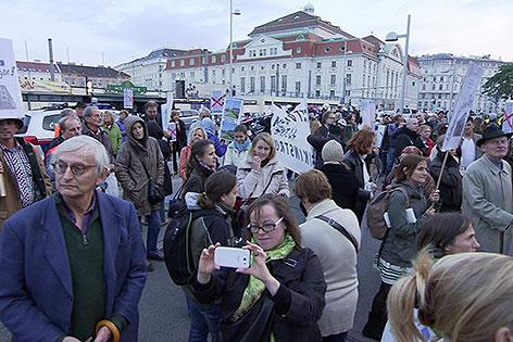 Demo bei Eislaufverein