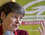 """Die neue Grüne Bezirksvorsteherin Silvia Nossek am Dienstag, 13. Oktober 2015, anl. der Pressekonferenz """"Währing ist grün"""" in Wien"""