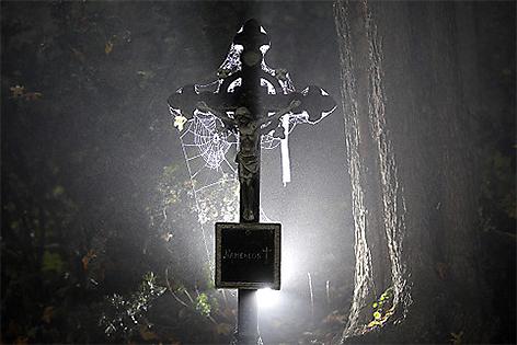 Friedhof Grabkreuz
