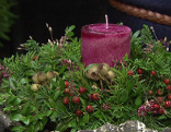 Allerheiligen Gesteck Gut gepflanzt Kerze