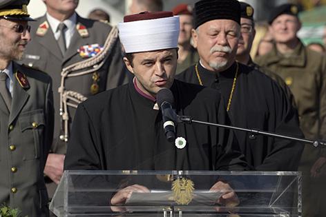 Imam Abdulmedzid Sijamhodzic am Montag 26. Oktober 2015, bei der Angelobung der Rekruten im Rahmen der Feierlichkeiten zum Nationalfeiertag am Heldenplatz