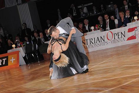 Menzinger und Garbuzov  beim Tanzen