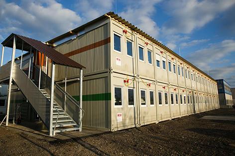 Containerdorf am Flughafen Schwechat