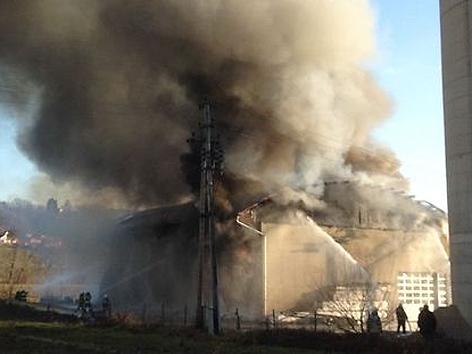 Heizkraftwerk in Flammen
