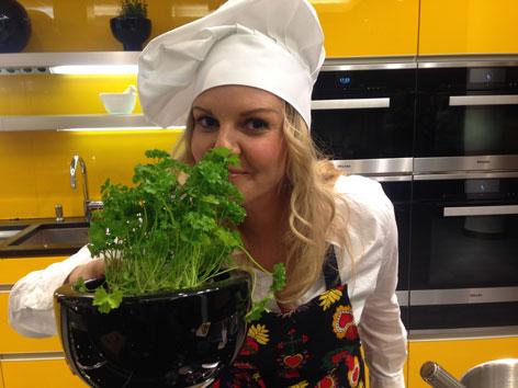 Christina Sonntag mit Kochmütze