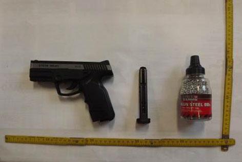 Schüsse auf Bus: Waffe auf Polizeifoto
