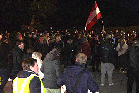 Asyl Flüchtlinge Demo Villach Henselkaserne