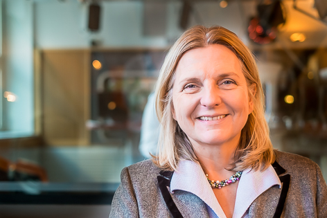 Karin Kneissl, Nahostexpertin, Buchautorin