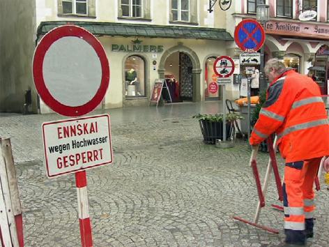 Regen Ennskai Sperre Hochwasser Steyr