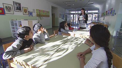 Erstes Zeugnis für Kinder von Asylwerbern