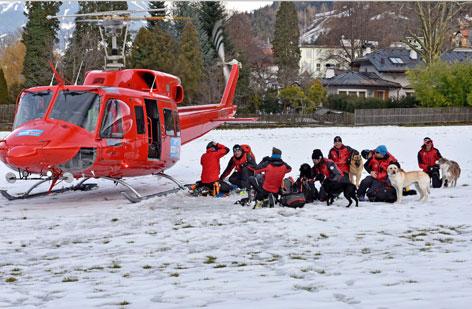 Lawine Wattener Lizum Hubschrauber Lawinenhunde