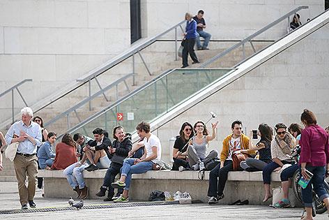 Menschen vor dem Leopold Museum im Museumsquartier