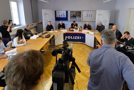 PK Polizei zu Flüchtlings-Bilanz und Grenzzaun