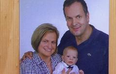 Andrea Mayr mit Paul späte Mutterschaft Schwangerschaft schwanger