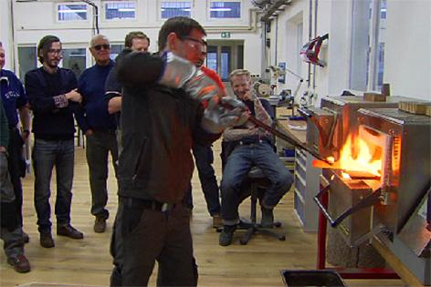 Messer selbst bauen Messerschleifen Schmieden Handwerk Messermacher