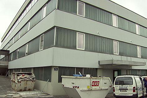Eines der Gebäude des Asylwerberquartiers in der Straniakstraße in Salzburg Kasern