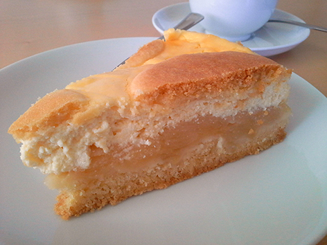 Suti kocht Wilmas Apfel-Topfen-Kuchen