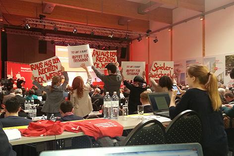 Protest gegen Faymann bei Klubklausur