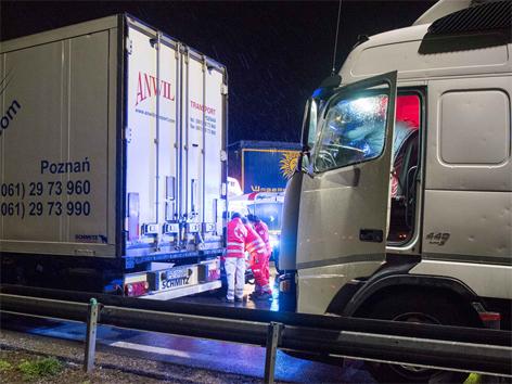 Lkw-Fahrer erdrückt Enns