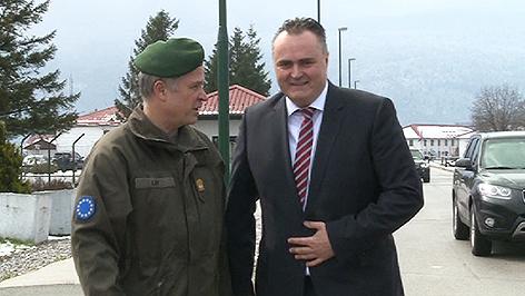 Johann Luif und Verteidigungsminister Hans Peter Doskozil