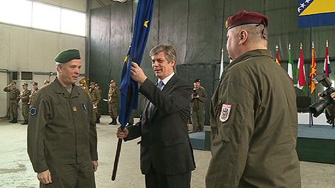 Johann Luif bei der Kommandoübergabe in Sarajewo