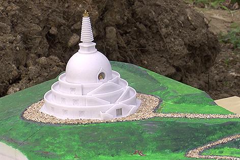 Modell des Stupa in Grafenwörth
