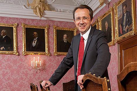 Matthias Stadler im Bürgermeisterzimmer im Rathaus Sankt Pölten