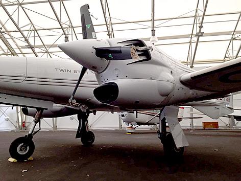 Kleinflugzeug nach Bruchlandung