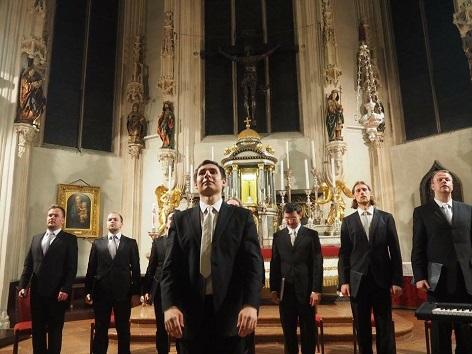 Danubius octet singers in der Hofburgkapelle