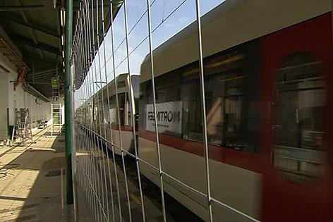 U6-Garnitur in der gesperrten Station Währinger Straße