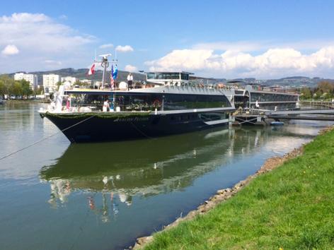 Kreuzfahrten: Luxusschiff Avalon auf der Donau, amerikanische Reederei