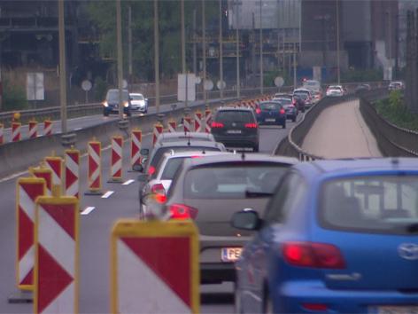 Stau über Steyreggerbrücke nach Linz