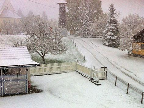 Schneefall im April