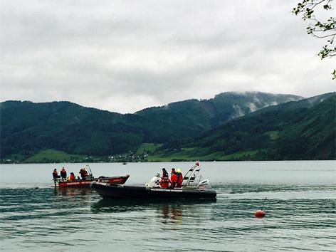 Attersee Suche Suchaktion Rettungsaktion Taucher Schwimmer