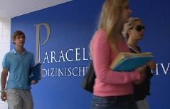 Studenten an der Paracelsus medizinischen Privatuniversität