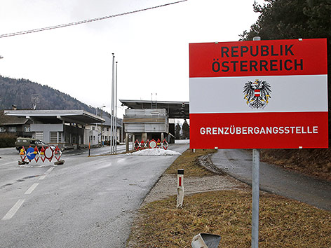 Kontrollen an der Grenze: der Grenzübergang Lavamünd, im Februar 2016