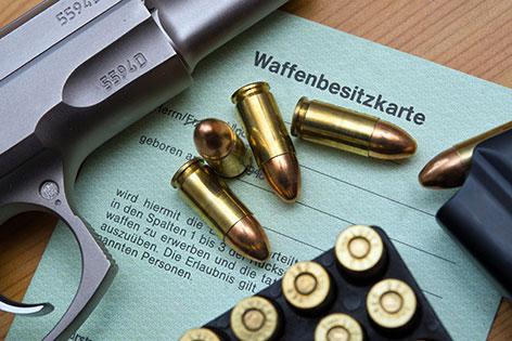Waffe mit Munition