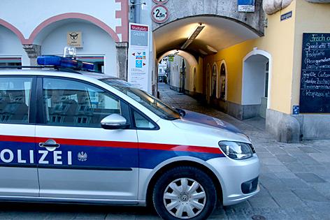 Welser Innenstadt und Polizeiauto