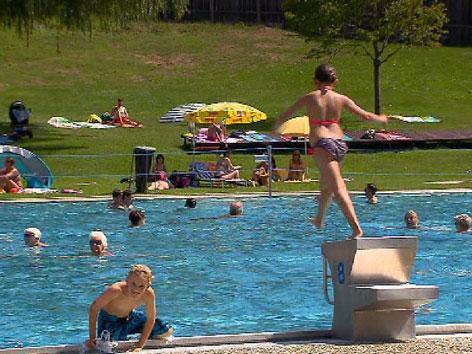 Badespaß im Schwimmbad Imst