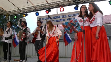 Kroatarantata pri festivalu u Devinskom Novom Selu