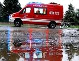 Unwettereinsatz, Hochwasser, Überflutung, Feuerwehr, Pumparbeiten