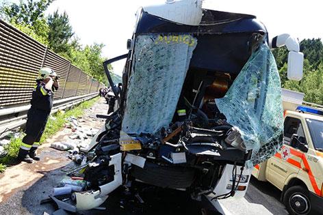 Reisebus Unfall 40 Verletzte