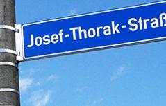 Schilder der Thorak Straße ausgetauscht - nach Schmiererei