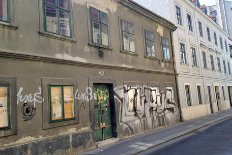 Strozzigasse 39 Verfall alte Häuser