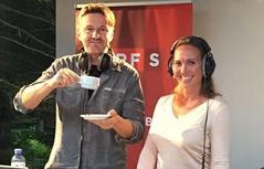 Wolfgang Zanon (links) und Claudia Schneider im Radio Salzburg Gartenstudio