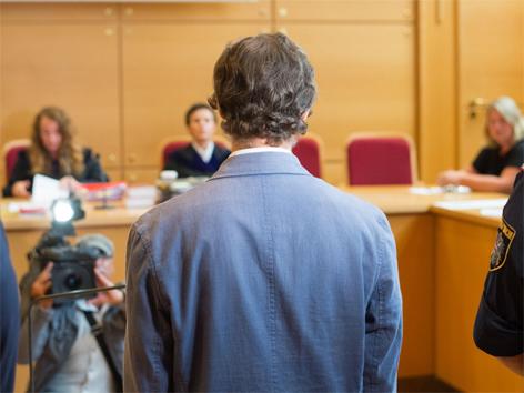 Prozess Totschlag Mord Eisenstange Leonding