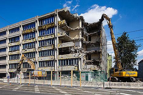 Abbruch des früheren Finanzamts in der Nußdorfer Straße