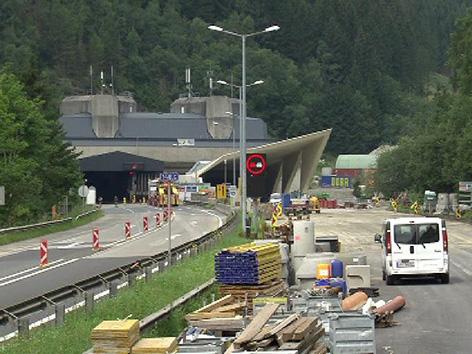 Stau Verkehr Umleitung Gleinalmtunnel Brand