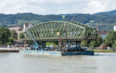 Eisenbahnbrücke Abriss